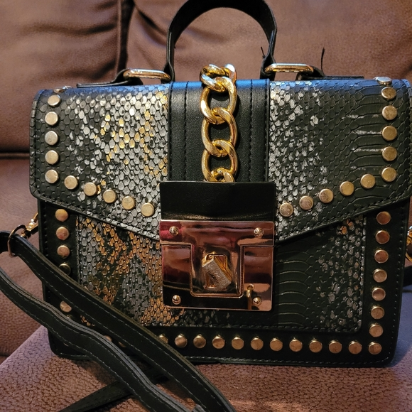 💖PRICE FIRM💖Black handbag